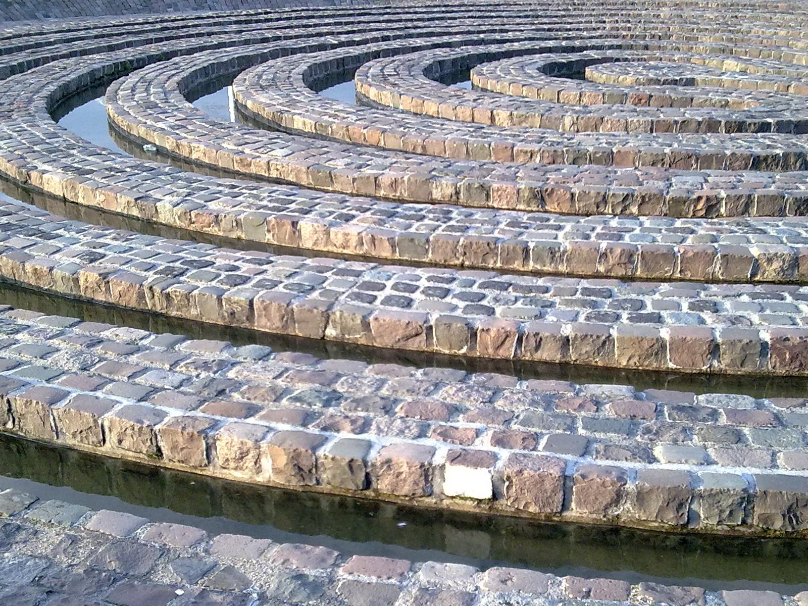 Labyrinth a
